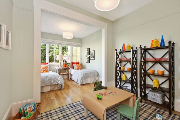 eclectic kids' bedroom with Benjamin Moore silver marlin 2139-50 wall paint color