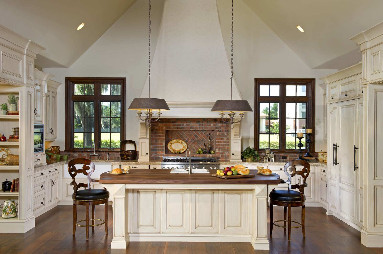 9 Most Fabulous Cream Kitchen Cabinets Designs You Must Know ...