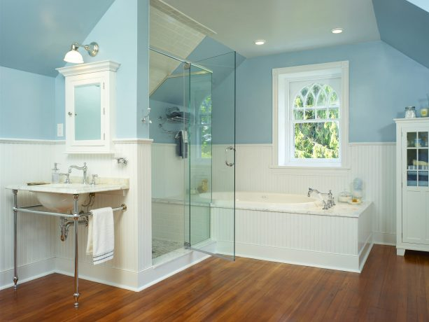 Victorian bathroom with beadboard design