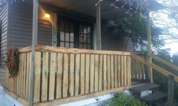 front porch railing from recycled pallets