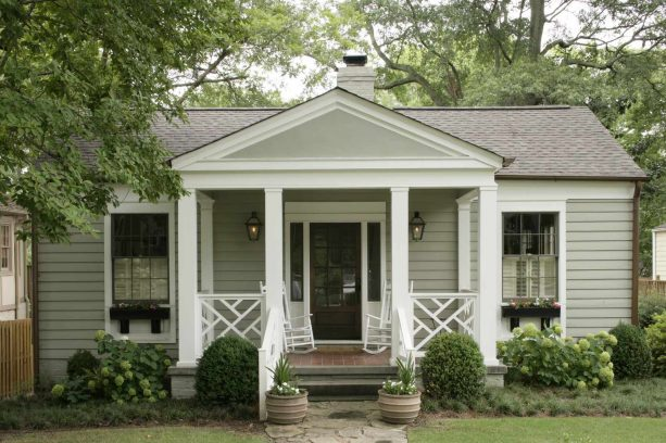 modern front porch with Chippendale railing
