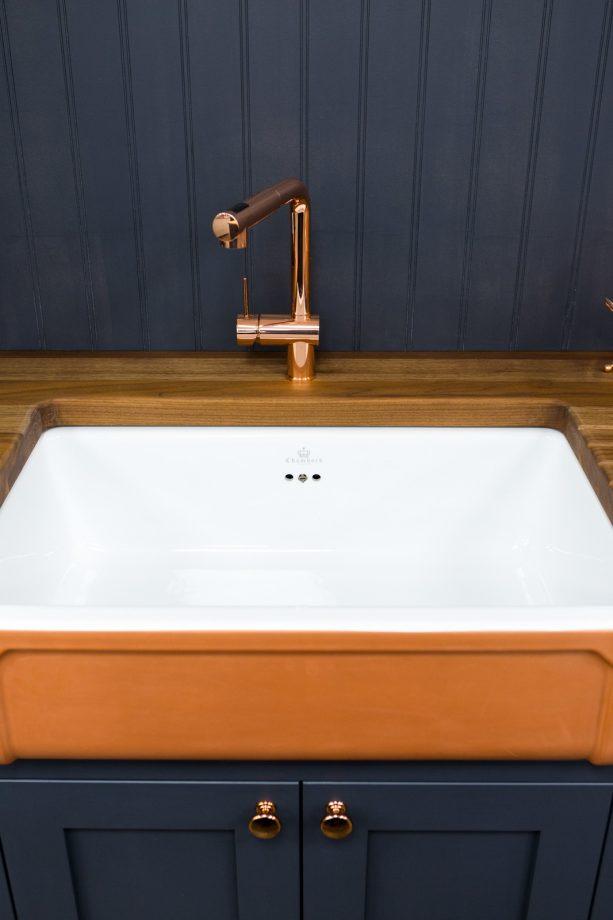 bold painted wooden kitchen backsplash