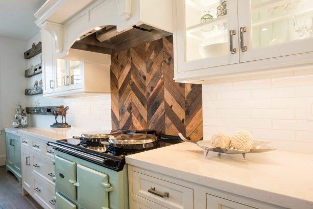 herringbone wood behind-stove backsplash