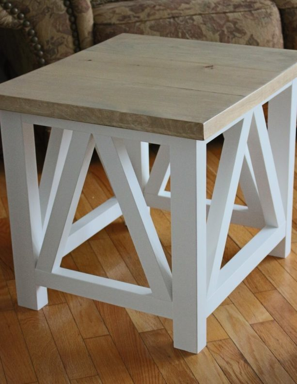 square end table with Minwax Weathered Oak stain