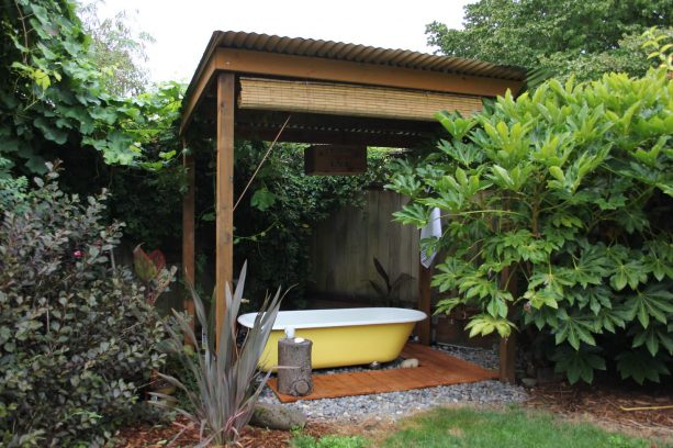 bamboo privacy blind for an outdoor bathtub