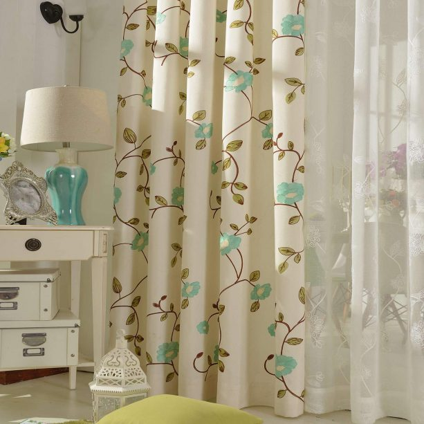 Vogol off-white linen curtain with blue floral details