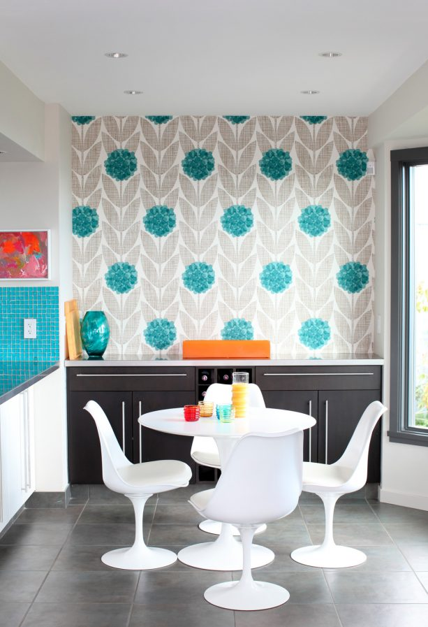 accentuating light grey and turquoise wallpaper in a contemporary dining room